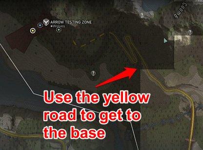 Utiliser la route jaune menant à la base