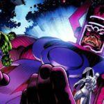 Galactus et Silver Surfer contre les Avengers dans cette affiche de fan spectaculaire