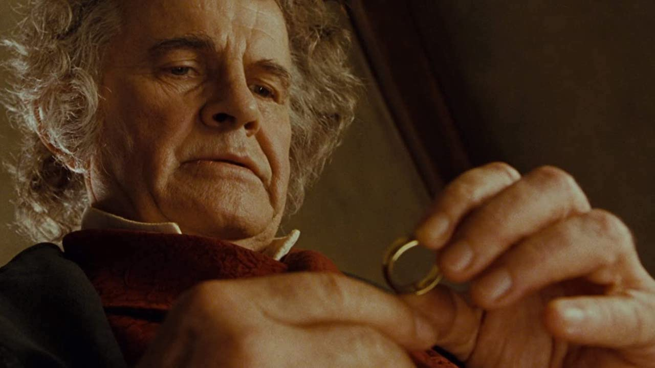 Ian Holm dans le rôle de Bilbo Baggins dans Le Seigneur des anneaux.
