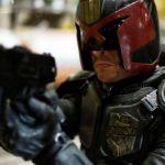 La nouvelle série du juge Dredd a un scénario fini et ils veulent Karl Urban et Sylvester Stallone