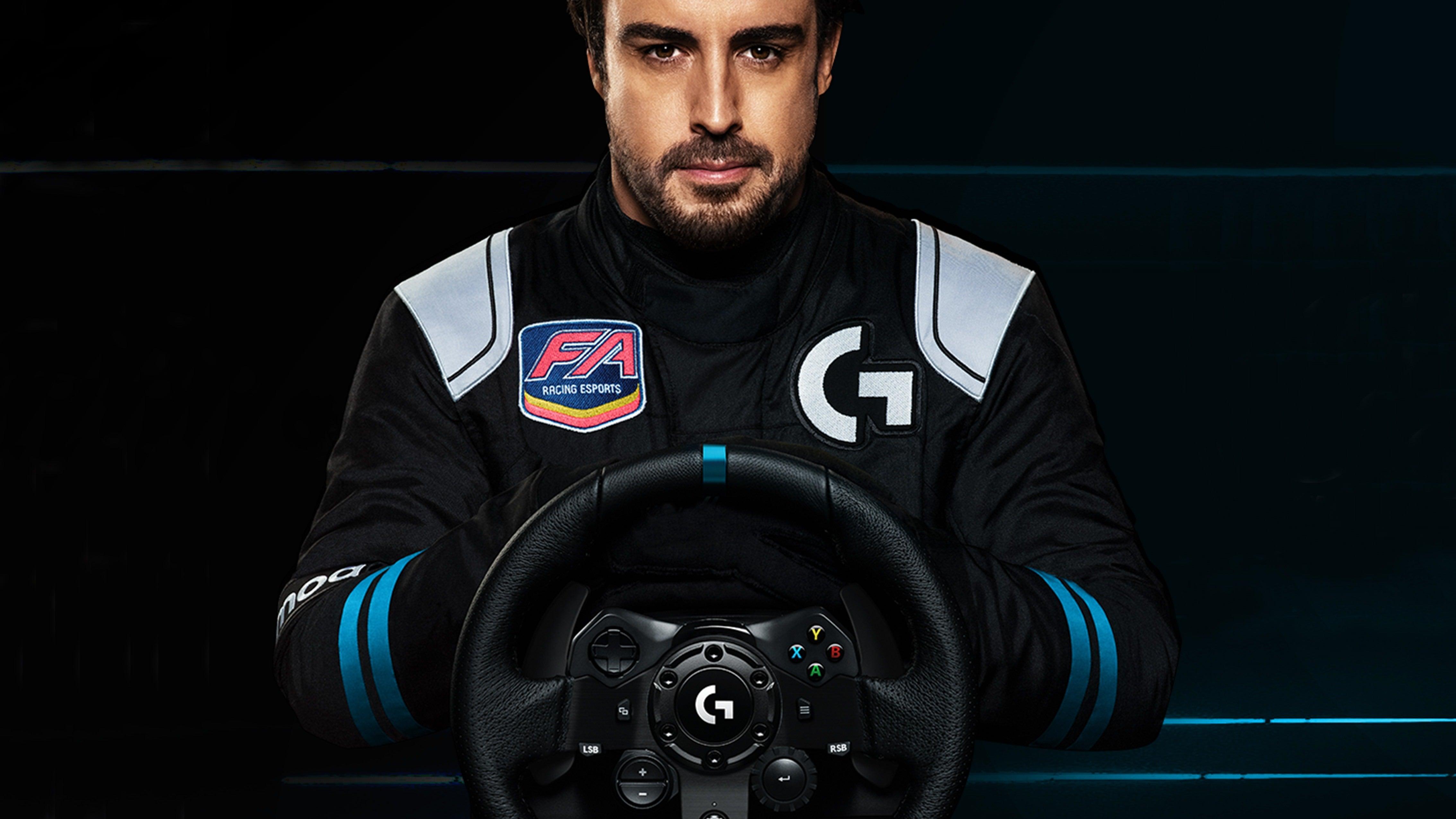 Comprend une nouvelle solution de retour de force qui, selon la société, «révolutionne l'expérience de course en simulation».