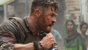 Chris Hemsworth répète avec Netflix dans le film Spiderhead après le succès de Tyler Rake